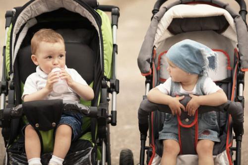 Barn i barnvagnar